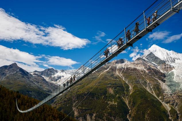 Første video af verdens længstehængebro