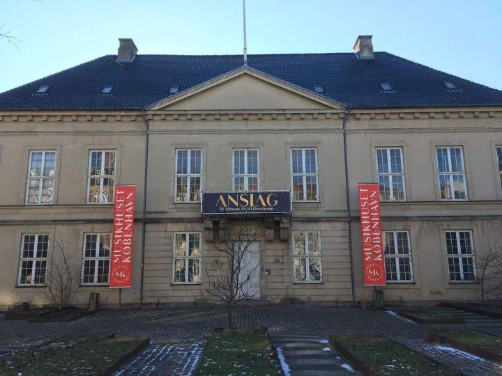 Det gamle bymuseum på Vesterbro i København bliver tilkoncertsted